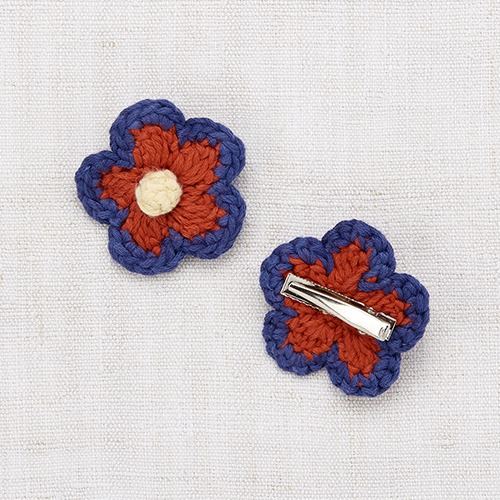 Medium Flower Clip (blue violet)