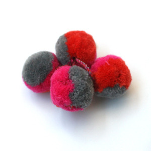Simple kids Pompom brooch (gray mixed)