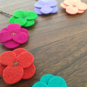 [재입고]Felt Flower Hairclip (B)